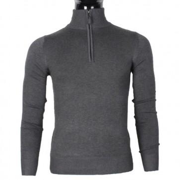 pulover z zadrgo