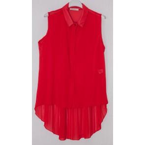 rdeča bluza brez rokavov
